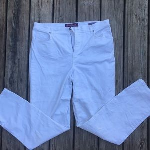 Gloria Vanderbilt-white jeans